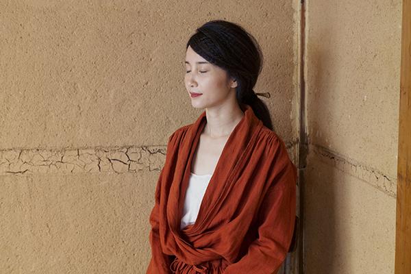 nuuの赤い服